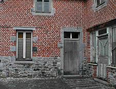 maison typique de lavesnois dpartement du nord associant briques rouges et moellons de pierre bleue calcaire gris bleu compact du tournaisien et